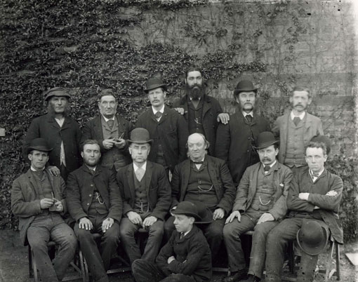 20-Male-staff