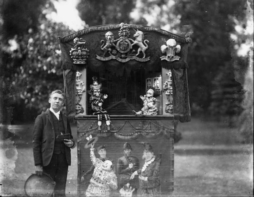 18-Punch-and-Judy-1871
